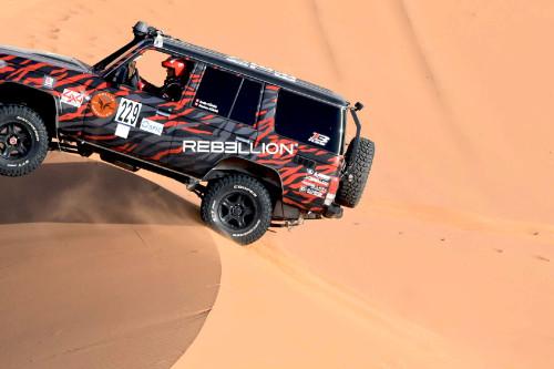 les_fees_nomen_voiture_maroc_desert